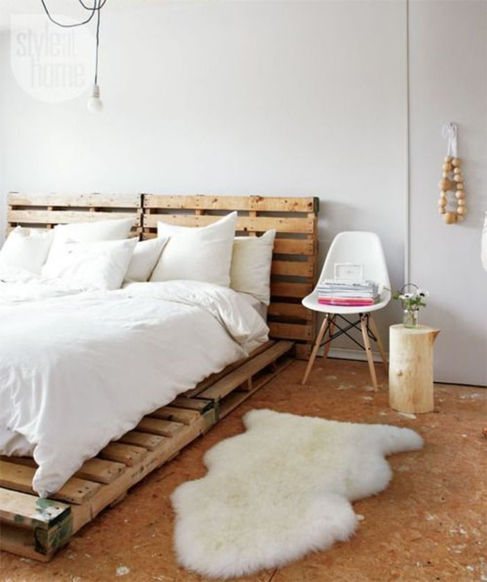 ローベッドは圧迫感も少なく、リラックスできますよね。 布団を直に敷くよりも通気性が良く、気持ちよく眠ることができそうです。