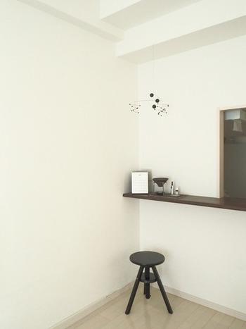 モノトーン空間など、シンプルな空間に置くと、空間の良いアクセントに。