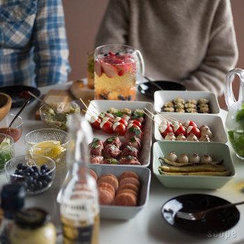 一人一品なら、色んな料理が集まって、そこまで負担にもならない。アットホームな雰囲気のなか交流も深まって良いこと尽くめです。 今回は、そんな持ち寄りパーティーで「何持ってく?」を考えるときに役立つ、食べやすい&華やかレシピをご紹介します。