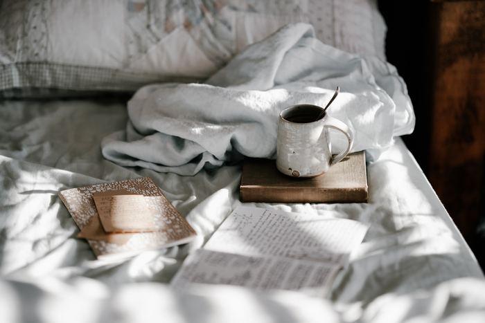 毎日仕事や家事に、頑張り過ぎてはいませんか?リラックスできる時間がなかなか取れない日が続くと、身体全体がこわばって血行不良になりがちです。まずは深呼吸して、自分のお気に入りの場所で好きなことをする時間を作りましょう。