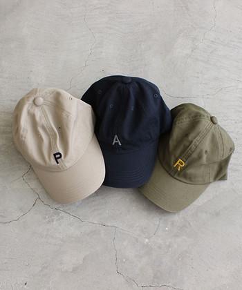 日頃、スポーティーなアイテムを着ない方も、バッグや帽子などの小物アイテムからなら取り入れやすいですよね。
