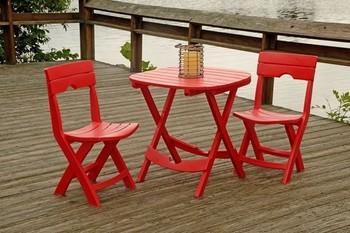 真っ赤なカラーと頑丈な造りが特徴の、made in USA。パッと目を引く個性的なカフェセットは、気分も上がりますね。コンパクトにたたむこともでき、キャンプやピクニックにも連れていくことができますよ。