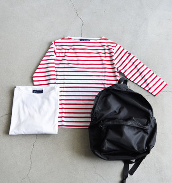 春夏らしく爽やかな雰囲気。白無地や赤×白のボーダーも上品でかわいらしく着こなせます。