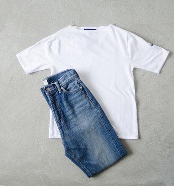 一枚は持っていたい定番の白Tシャツ。100年以上も変わらない洗練されたスタイルと着心地の良さは、流行に左右されることがありません。シンプルにデニムに合わせたスタイルも、シルエットの良さが引き立ちます。
