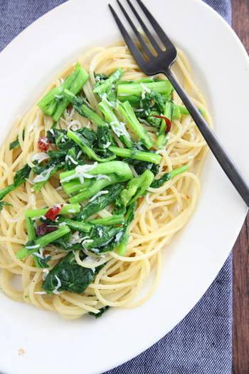 和食をあまり作らない人なら、菜の花を使ったオイルパスタはいかがでしょう?素材の味を活かすシンプルな味付けで、手軽に春の味覚を楽しむことができますよ。
