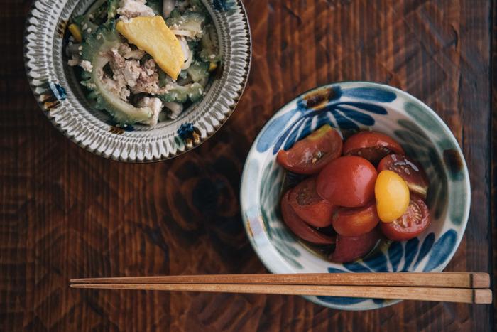 模様や形が少しずつ異なる小鉢に、味の異なるお料理を盛り付ければ、お料理をひとつひとつ、丁寧にいただいているような気持ちになりますよね。
