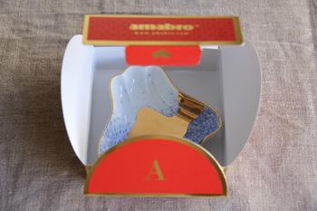ひとつひとつ丁寧に作られた縁起物の豆皿は、可愛らしいケースに入っているので、ちょっとしたプレゼントにも◎。