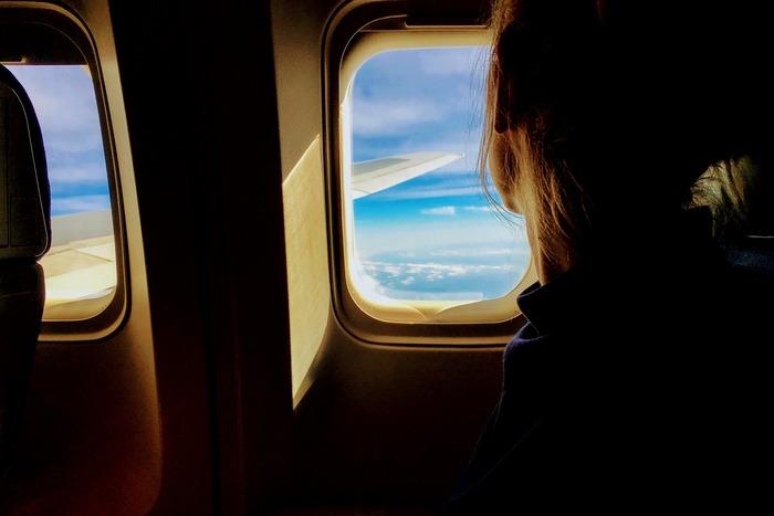 機内も工夫次第で快適に。《長距離フライト》を気持ちよく過ごすための15のヒント
