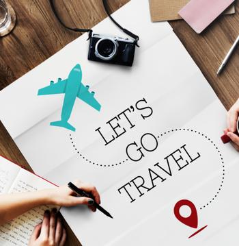 待ちに待った連休の海外旅行。 到着地や経由地によっては、機内で過ごす時間も増えますよね。  機内で過ごす時間も立派な旅行時間。 現地での滞在時間を目一杯エンジョイできるよう、機内での疲れを到着地に持ち込むのはできれば避けたいところですよね。  そこで今回は、これまでに100便以上国際便の搭乗経験がある筆者の経験と目線から機内の時間がもっと快適なものになるちょっとしたテクニックをご紹介します♪