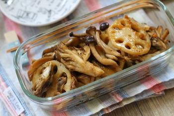 さっぱりしたポン酢にピリリと柚子胡椒が効いた炒めものは、キャベツやごぼうなどお野菜ならなんでもOK。できたての温かい状態でも、常備菜としても美味しくいただけます。