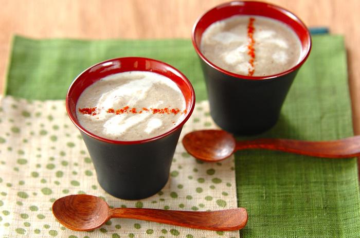 ■冷凍キノコのポタージュスープ 身体だけでなく心までほっこりあたたまりそうな、やさしい味わいの冷凍キノコのポタージュスープは、食欲がない日の朝ごはんや、お夜食にも使えそう。