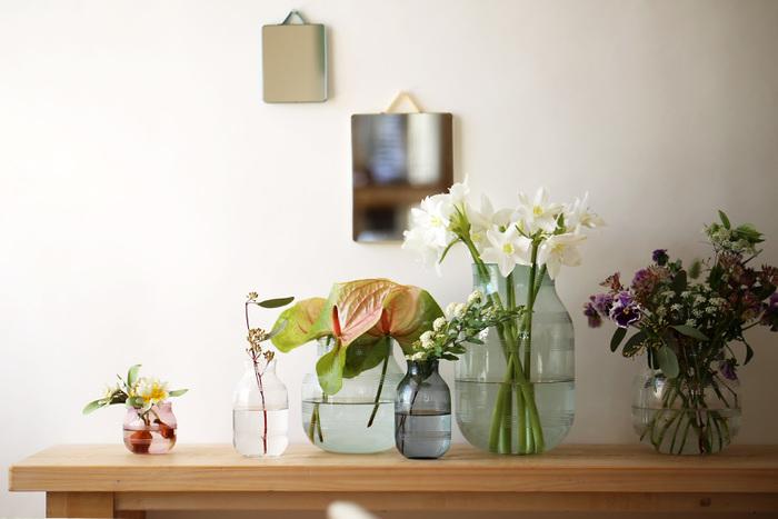 デンマークが誇る製陶メーカー・KAHLER(ケーラー)の人気シリーズ「Omaggio」に登場したガラス製のOmaggio Glass(オマジオグラス)。美しい曲線やシルエットはそのまま、ガラスだからこその爽やかさを楽しむことができますよ。