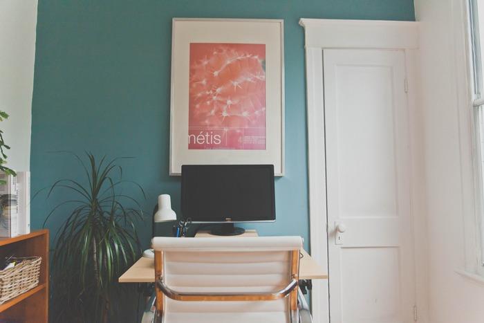 お部屋が確保できなくても、リビングの中に小さなデスクを置いてスペース作るだけでも違いますよ。