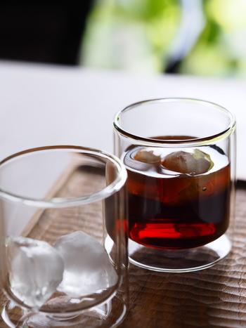 北欧デンマーク生まれのテーブルウエアブランドVIVA。美しいストレートラインのグラスは、今もハンドメイドで作られています。こちらのブロガーさんは飲み物がきれいに見える点がお気に入りなのだそうですよ。