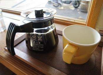 コーヒーサーバーで提供してくれます。