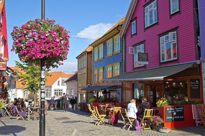 スタヴァンゲルといえば、「アナと雪の女王」の舞台となった地であり、その影響もあってか、近年は観光地として賑わいをみせています。