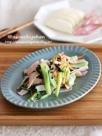 お役立ちの小松菜ですが、青菜が苦手なお子さんも少なくないですよね。こちらのレシピなら、マヨネーズの風味と昆布茶の旨味で食べやすい一品に。味付けも楽々です♪