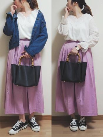 馴染みのある休日コーデも、スカートの色がラベンダーなだけで一気に見違えますね!靴と鞄は黒で揃えて引き締めて。