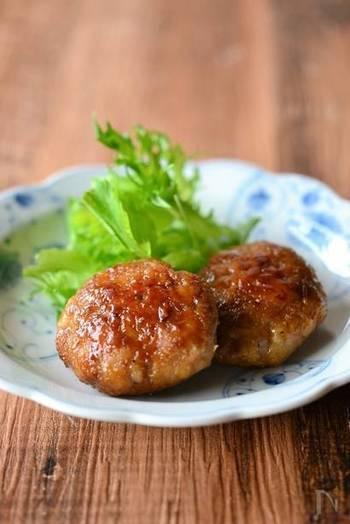 いつもなら炒めものに使われることが多い豚こまと、ジャガイモを使ってハンバーグが出来ちゃうのです!冷めても美味しいのでお弁当のおかずにも◎