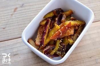 ジャガイモとさつま揚げも意外かもしれませんが実はとっても相性のいい食材同士。シンプルな醤油炒めなので簡単にささっと作れますよ♪
