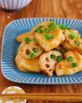 お財布に優しい鶏むね肉と食物繊維たっぷりのレンコンで作る簡単レシピ。フライパン一つで完成するのが嬉しいですね!
