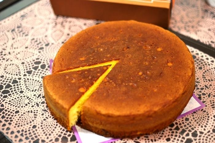 19601年に作られて以来、広島銘菓として親しまれるバターケーキ。40年間変わることない製法で作られるバターケーキは、どこか懐かしさを感じられる優しい味わい。一口食べれば、バターの風味が口いっぱいに広がって、コーヒーとも相性抜群です!