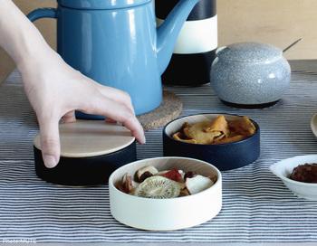 伝統工芸でありながらも、若手デザイナーにより斬新で自由なコンセプトの元デザインされているcol. ソジ ハコ。漆器用の白木なので小物入れ以外にも料理の器としても使え、使う側も自由に楽しめそうですね。