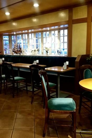 1984年創業。このエリアでは希少な、昭和の古き良き喫茶店の雰囲気をキープしています。  店主は横浜・元町にあるイタリア料理店のシェフを勤めた後、コーヒーの味を極めようと喫茶店に転業された方。36席とキャパシティもたっぷり。