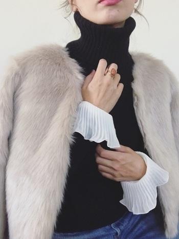 毛皮もほどよくカジュアルダウンして着こなすのが、ジェーン・バーキン風。