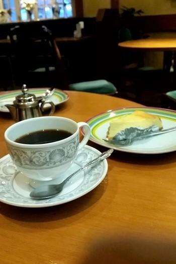 『自家製レアチーズケース』と『ブラジル』。