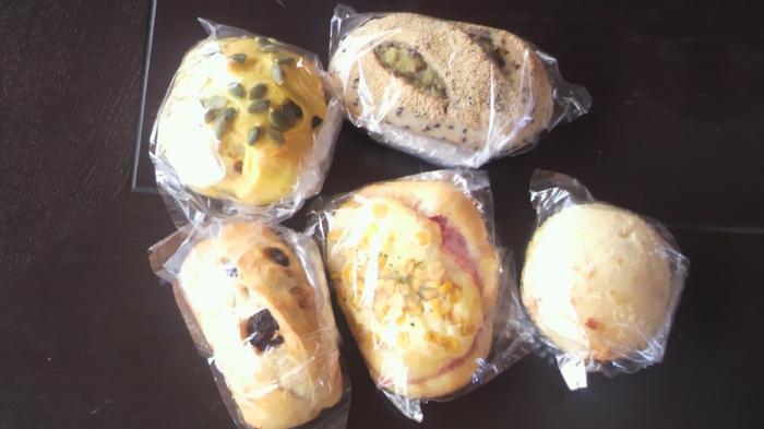 早い時は午前中ですべて売り切れてしまうこともあるそう。お惣菜パンと菓子パン、どちらにしようか迷ったら、両方買っておうちで食べるのもおすすめですよ。