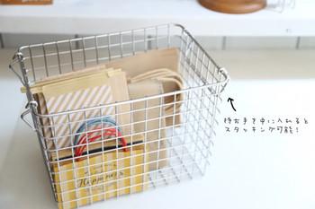 持ち手を内側におさめると、積み重ねも可能。