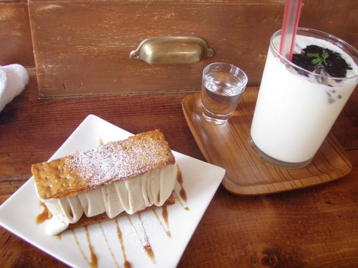 今回ご紹介したカフェ&お店は、店内の雰囲気もよいお店ばかりです。絶品スイーツとドリンクを味わいながら、ゆったりと過ごす時間はきっといつもの何倍も素敵なものとなるでしょう。名古屋へ遊びに行った際は、ぜひ立ち寄ってみてくださいね。