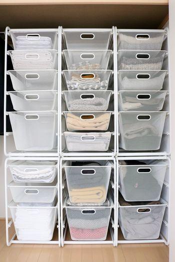 IKEA(イケア)の「ALGOT(アルゴート)」というオープン収納。シンプルなデザインで無印良品の収納ケースとも相性抜群です。