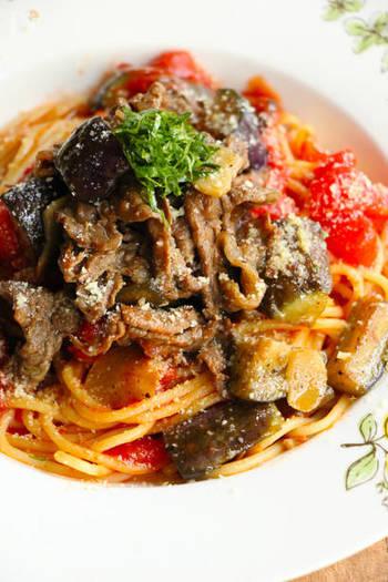 ほんのり和のテイストを加えた創作トマトパスタです。醤油の香ばしさとピリリとした辛みが食欲をそそります。