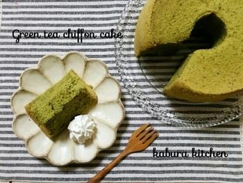 小麦を小使わず、米粉を使用。しかも、ノンオイルでカロリー控えめ。小麦粉アレルギーの方も、ダイエット中の方もうれしいシフォンケーキです。