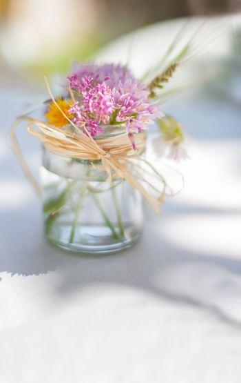 照れくさくて言えない思いは、花に託して。お花だけを贈るのもいいですが、ぴったりの花言葉を持つお花で素敵なアイテムを手作りして贈れば、さらに思いが伝わりそうですね。もらった人が、幸せな気持ちになれるフラワーギフトを、ぜひ。あなたが気持ちを伝えたいのは、だれですか?