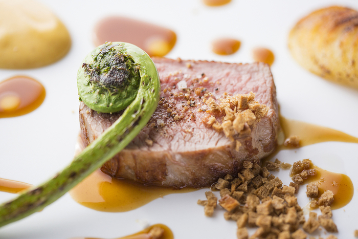 どのお料理も丁寧なシェフの技が光ります。彩りも味も洗練された美味しさです。