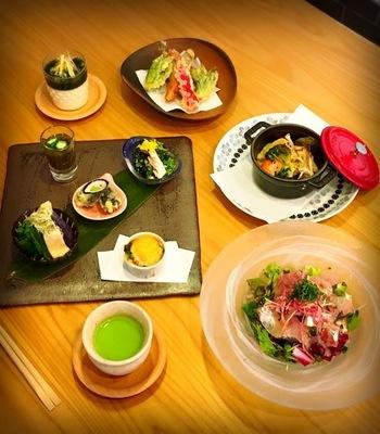 福井の味をアレンジしたお料理は、見た目にも鮮やかで思わずわくわくしてしまいます。きれいな盛り付けや、美味しいお料理に話もはずみそう♪