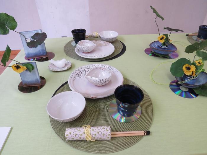 萩焼のテーブルコーディネートを展示しているところもあるそうですよ。素敵ですね。