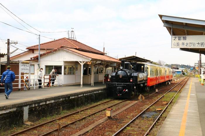 土日祝日を中心に走っている「里山トロッコ」に乗る場合は、こちら「上総牛久駅」で乗り換えです。事前に予約が必要になります。