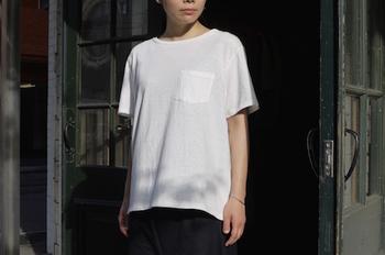 上質なコットンTシャツは、着心地はもちろん、洗濯しても型崩れしにくいので長く愛用することができます。今回は、それぞれの綿の特徴を活かしたおすすめの「コットンTシャツ」をご紹介します。