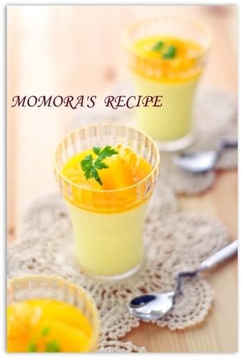 こちらも豆乳を使ったひんやりデザートです。組み合わせるのは、みずみずしいフレッシュオレンジ。絞り立ての果汁を豆乳と混ぜ、はちみつで甘みを付けてゼリーにします。ゼリー液を器に注ぐと、固まる過程で自然に二層になるのだそう。仕上げに果実をトッピングすれば、見た目も鮮やかになります。