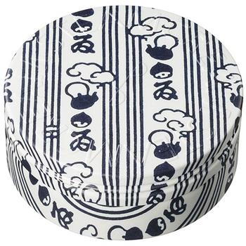 こちらはちょっと変わった手ぬぐいモチーフ。日本のもの=手ぬぐいをデザインにしたあたりが、なんとも秀逸です。
