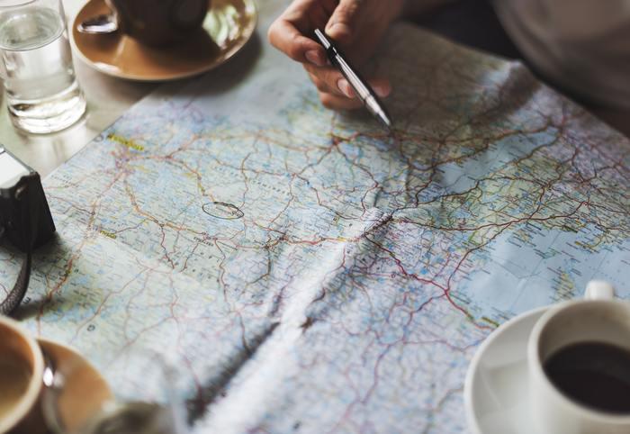計画するのにお金はかかりません。実現させるための手立ては考えなくていいので、30分だけ地図を広げて行ってみたい場所へ旅行するマイプランを立ててみましょう。未来の楽しいことを想像するだけで、ワクワクした気分がよみがえってきます。