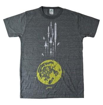 お店で売っているようなプリントTシャツは、シルクスクリーンプリントです。少し手間はかかりますが、しっかり色がのり、剥がれにくいので完成度が高い仕上がりに。