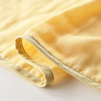多重織りガーゼに特にこだわりがあり、洗い使い込んでいくうちに肌触りが良くなり、ほつれないことが特徴です。