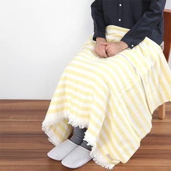 また、見た目もカラーもシンプルでデザイン性も◎なので、オフィスの冷房対策としてひざ掛けにも使えそう。