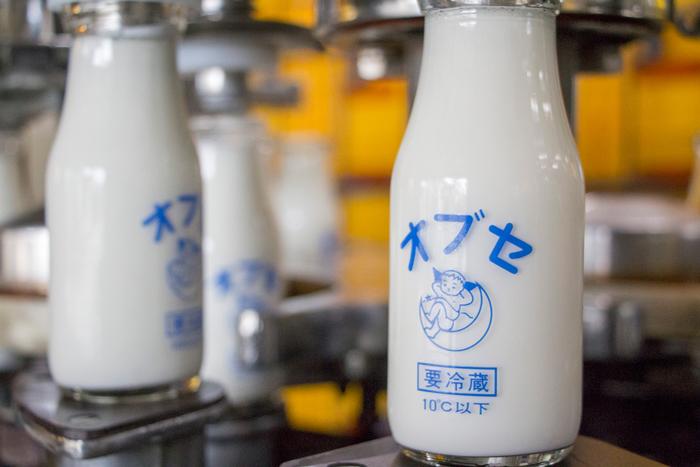 牛乳が一番おいしくなる殺菌方法の、80℃15分間殺菌に創業当時からこだわり、時間をかけて丁寧に殺菌された牛乳。