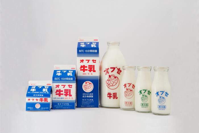創業時から変わらず丁寧に作り続けられている、オブセ牛乳の代表商品。紙パックはサイズが選べるので便利。また、牛乳の一番美味しい飲み方ができる小ビンは、冷たくしてお風呂上がりにぜひ。
